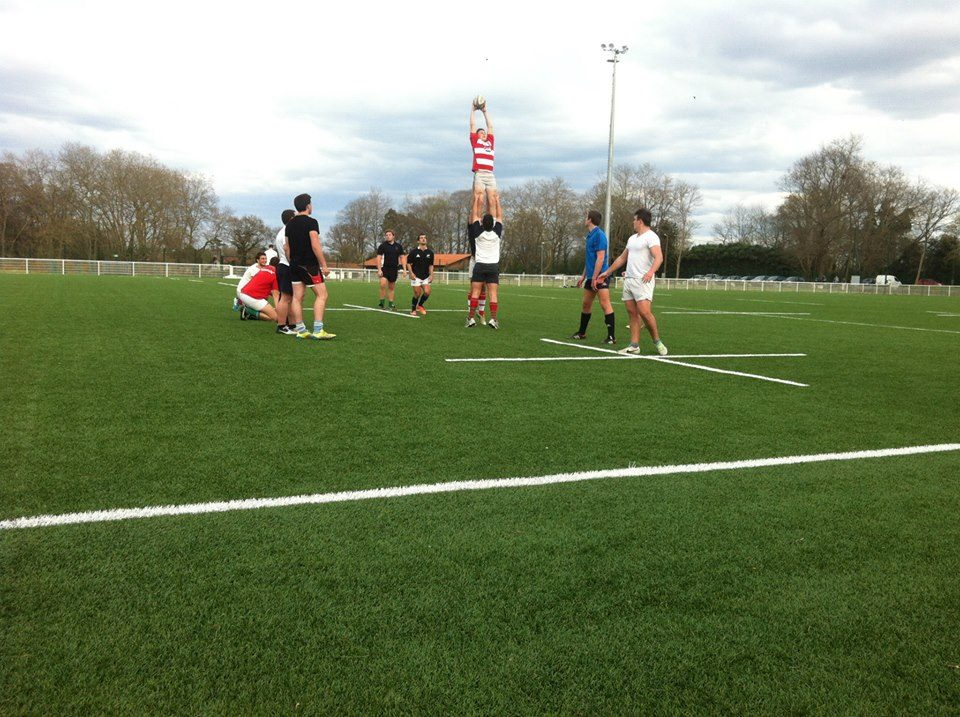 Culture Sport Le Rugby Basque au Japon entrainement touche